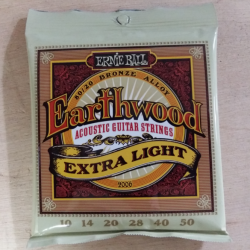 Cordes folk Ernie Ball Earthwood extra-light 10-50